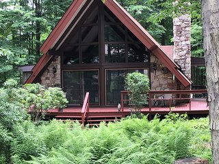Nice Chalet with Deck and A/C - DuBois vacation rentals