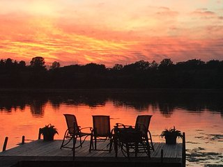 Comfortable Cottage with Deck and Internet Access - Beloit vacation rentals