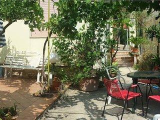 Casa Vacanze da Sonia, villetta con giardino - Bonagia vacation rentals