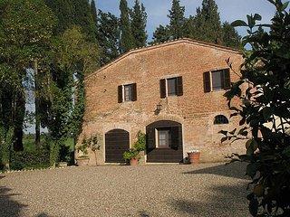 Casa Giobatta B - Asciano vacation rentals