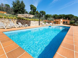 3 bedroom Villa in Calonge, Costa Brava, Spain : ref 2286786 - Calonge vacation rentals