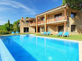 8 bedroom Villa in Calonge, Costa Brava, Girona, Spain : ref 2007937 - Calonge vacation rentals