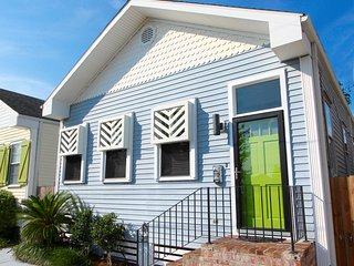 """SUNNY EXPOSURE"" - UPTOWN New Orleans Getaway! - New Orleans vacation rentals"