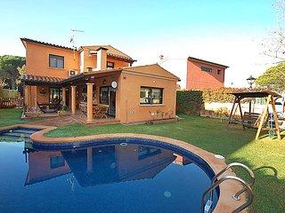 3 bedroom Villa in Santa Cristina D Aro, Costa Brava, Spain : ref 2097044 - Santa Cristina d'Aro vacation rentals