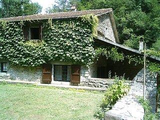 Sunny 5 bedroom Villa in Vernio - Vernio vacation rentals