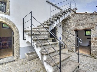 Cozy 2 bedroom House in Calvanico - Calvanico vacation rentals