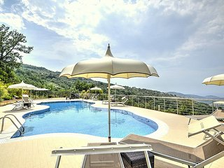 6 bedroom House with Deck in Laureana Cilento - Laureana Cilento vacation rentals