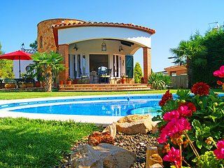 3 bedroom Villa in Caldes de Malavella, Costa Brava, Spain : ref 2214423 - Llagostera vacation rentals