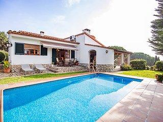 4 bedroom Villa in Calonge, Costa Brava, Spain : ref 2298613 - Calonge vacation rentals