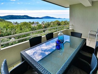 Comfortable Condo with A/C and DVD Player - Hamilton Island vacation rentals