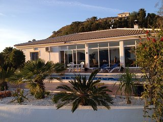 Super Aussicht - Privater Pool - Wintergarten - Vinuela vacation rentals