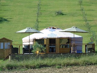 Romantic 1 bedroom Catignano Yurt with Internet Access - Catignano vacation rentals