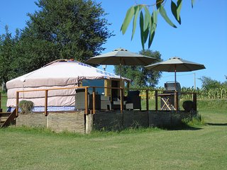 Romantic 1 bedroom Yurt in Catignano with A/C - Catignano vacation rentals