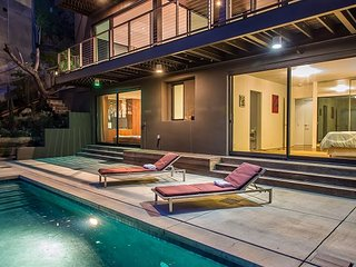 Modern Marvel in the Hollywood Hills with Pool - Los Angeles vacation rentals