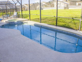 EXECUTIVE STANDARD 4Bed Villa With Pool,Spa & Wifi - Davenport vacation rentals