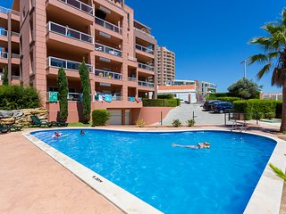 Apartamento T2 Piscina e Garagem a 150m da Praia - Praia da Rocha vacation rentals