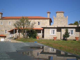 Casa do Castelo de Fermedo é um Solar com Capela - Arouca vacation rentals