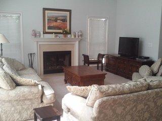 Four bedroom home in Atlanta suburb sleeps 8 -10 - Atlanta vacation rentals