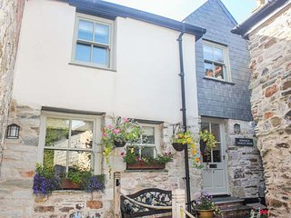 SHENNACH close to town centre, spacious accommodation in St Columb Major, Ref 938172 - Saint Columb Major vacation rentals