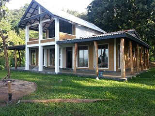 A beautiful eco friendly bungalow - Beragala vacation rentals