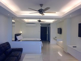 Modern Studio Apartment in Patong - Patong vacation rentals