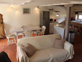 Gite La Bichonnière 4 pers.Domaine de la Margotine - Rouffilhac vacation rentals