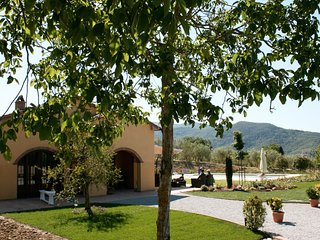 Nice Villa with Shared Outdoor Pool and Television - Pieve di Chio vacation rentals