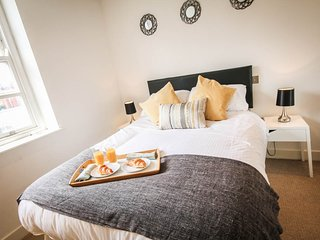 Perfect 1 bedroom Condo in Nottingham with Internet Access - Nottingham vacation rentals