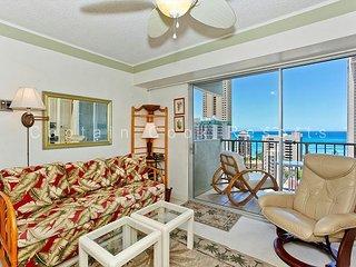 Great Ocean View, central A/C, 5 min. walk to beach!  Sleeps 4. - Waikiki vacation rentals