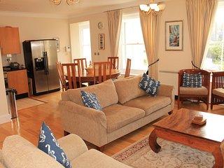 Spacious Luxury Apt: Heated Pool, Sauna & Gardens - Fowey vacation rentals