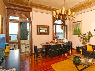 Luxury apartment with balconies overlooking lake Garda, AC, WIFI, for 8 people - Gardone Riviera vacation rentals