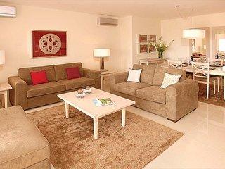 2 Bedroom Apartment Deluxe in Alcantarilha - Alcantarilha vacation rentals