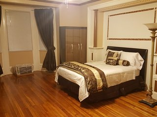 Charming 1 bedroom House in Staten Island - Staten Island vacation rentals