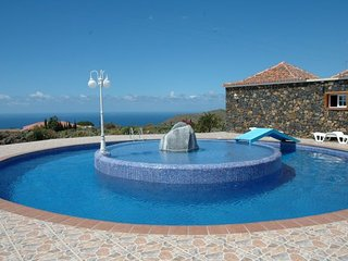 Bright 4 bedroom Villa in Todoque with Internet Access - Todoque vacation rentals