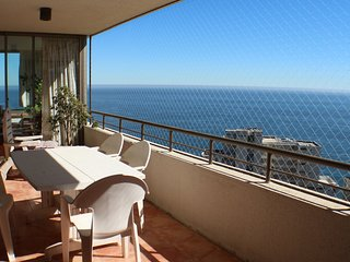 Ample 4BR, Spectacular Views, 7 guests, 2 parking - Renaca vacation rentals