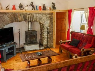SAOIRSE, all ground floor, pet-friendly, countryside views, Ennistymon, Ref 939196 - Ennistymon vacation rentals
