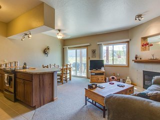 Pristine mountain condo w/ mountain views - one block from Lake Dillon! - Dillon vacation rentals