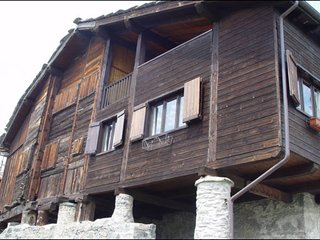Chalet/Attic Chaland St. Victor - Lovva Dondeynaz - Vervaz-Portollaz vacation rentals