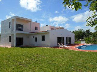 Casa Luna, Spacious home minutes from Valladolid - Valladolid vacation rentals