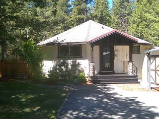 2684 Wailaki Christmas Cupcake Cottage - South Lake Tahoe vacation rentals