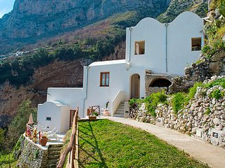 Bright 1 bedroom House in Amalfi - Amalfi vacation rentals