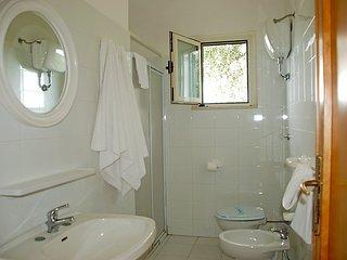 3 bedroom Villa in Vieste, Puglia, Italy : ref 2014701 - Defensola vacation rentals