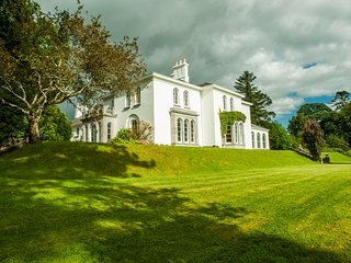 Luxury Manor/ Private/Estate/Golf/Walking/Daytrips - Killarney vacation rentals