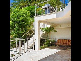 Bright 2 bedroom Villa in Marigot Bay - Marigot Bay vacation rentals