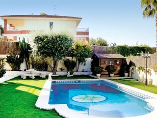 7 bedroom Villa in Cunit, Catalonia, Costa Dorada, Spain : ref 2090731 - Cunit vacation rentals