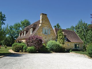 4 bedroom Villa in Montignac, Aquitaine, France : ref 2095702 - Saint-Amand-de-Coly vacation rentals