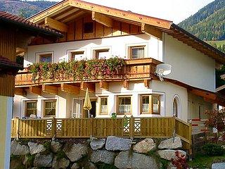 4 bedroom Villa in Niedernsill/Nationalpark Hohe Tauern, Salzburg, Austria : ref 2127527 - Niedernsill vacation rentals