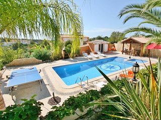 4 bedroom Villa in Gale, Algarve, Portugal : ref 2132487 - Patroves vacation rentals