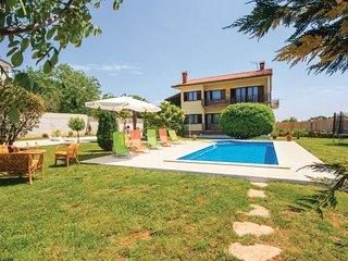 6 bedroom Villa in Barban-Orihi, Barban, Croatia : ref 2183489 - Orihi vacation rentals