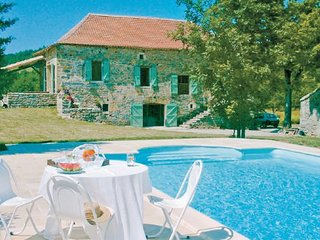 4 bedroom Villa in Caylus, Tarn-et-garonne, France : ref 2185704 - Caylus vacation rentals